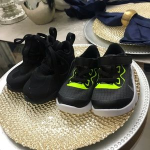 Bundle of 2 Nike sneakers size 4